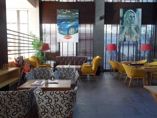 Hotel Cettia Beach Resort: Bar B