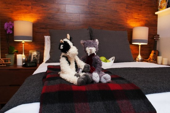 Made Inn Vermont An Urban Chic Boutique Bed And Breakfast Tablet Leading