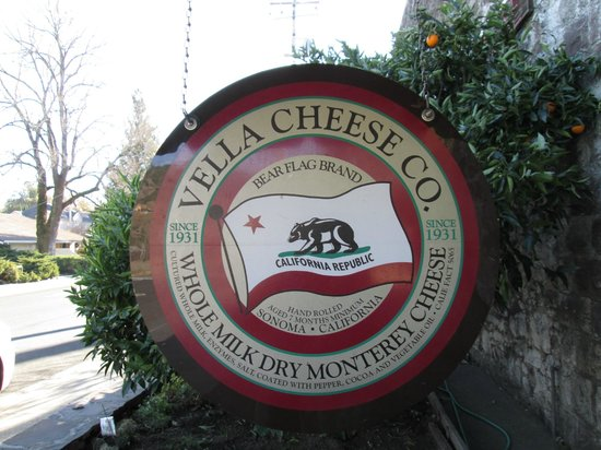 Valley Wine Tours : Free Cheese Sampling!
