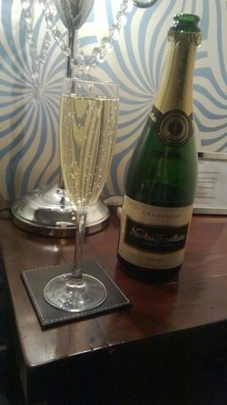 The Clontarf Hotel: champers