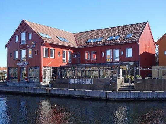 Bolgen & Moi: Restaurant outside