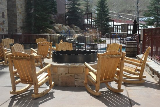 Marriott's MountainSide: Fire pit.
