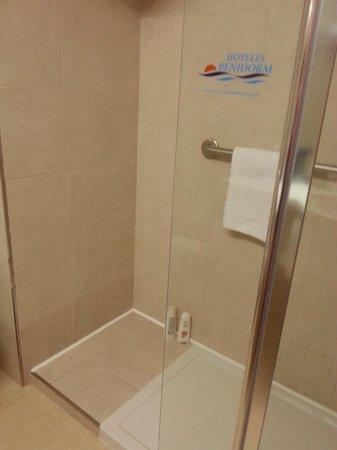 Presidente Hotel: walk in shower in our room