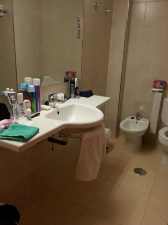 Presidente Hotel: bathroom