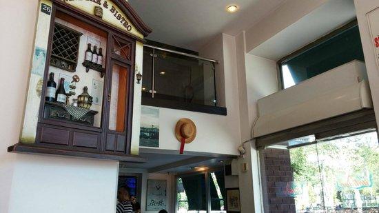 Italiano Cafe: Inside