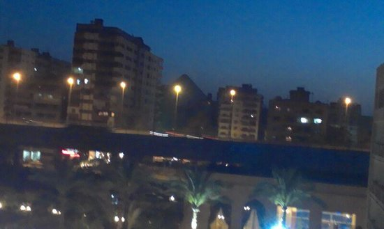 Grand Pyramids Hotel : Picture taken from my room's balcony (room 414)