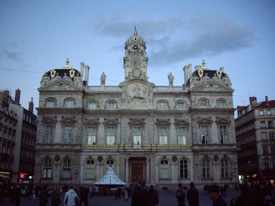 H tel de ville int rieur picture of hotel de ville for Hotel interieur