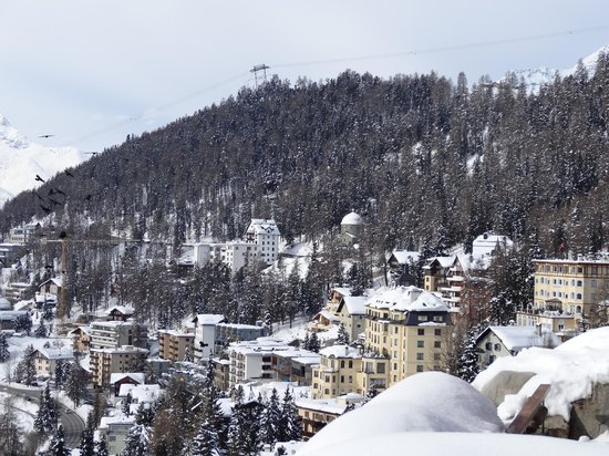 Badrutt's Palace Hotel: Вид из окна