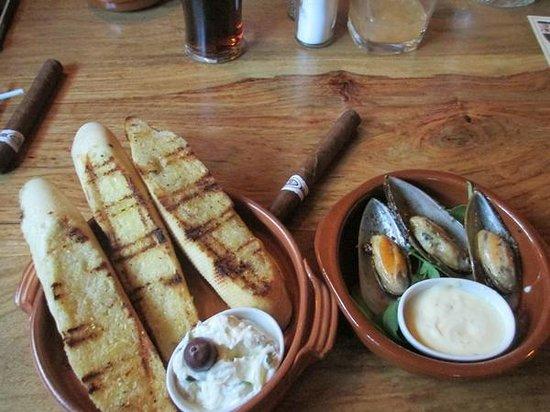 vitlöksbröd & musslor