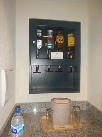 Hotel Riu Emerald Bay: booze in room