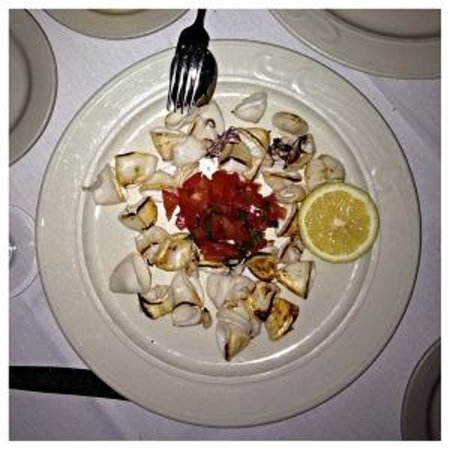 Trattoria Belvedere : Grilled Calamari