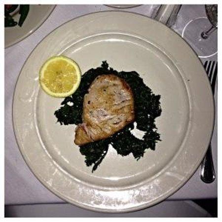 Trattoria Belvedere : Yellowfin Tuna with sautéed spinach