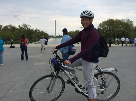 Bike and Roll DC: Washington Monument in the background
