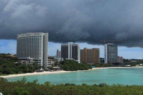 Hotel Nikko Guam: Вид на Tumon Bay