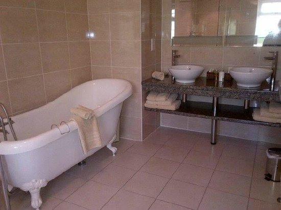 Kilmeny Country House: Spotless Bathroom