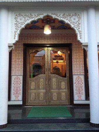 Nahargarh Haveli: Puerta con decoracion