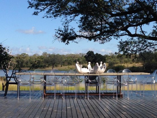 Chitwa Chitwa Private Game Reserve : Deck