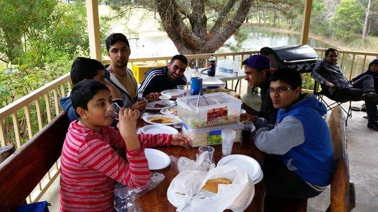 Madison's Mountain Retreat: Enjoyimg meals in Gazebo