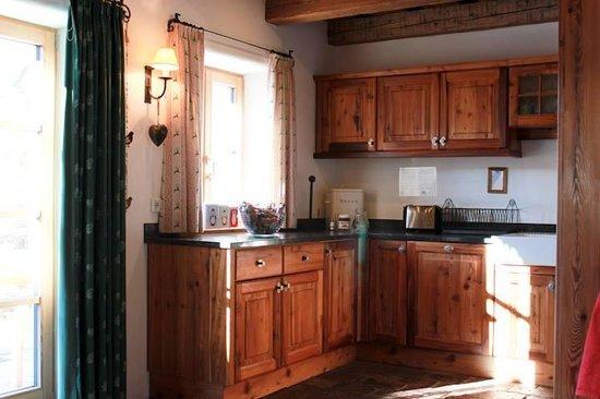 St Martin Chalets: Kitchen