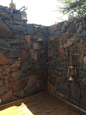 Naboisho Camp, Asilia Africa: Outdoor shower