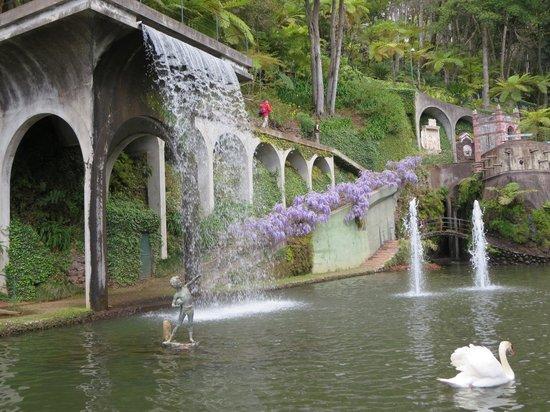 Monte Palace Tropical Garden : Central Lake