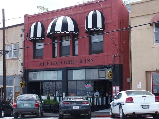 Jerome State Historic Park: Mile High Bar and Grill...a good place to eat
