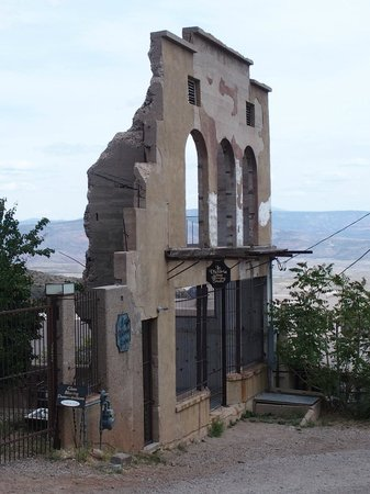 Jerome State Historic Park : Some buildings are in ruins