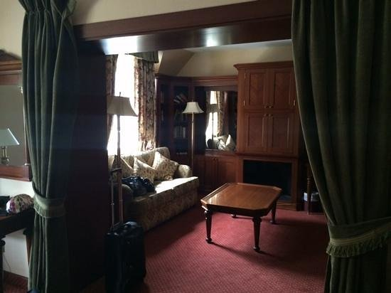 Racket Hall Country House Hotel : living / seating area 301