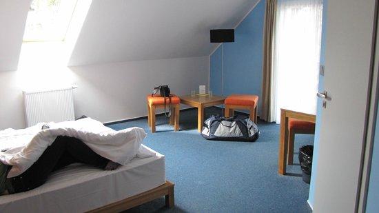Hotel Star 1.2: Großes Zimmer