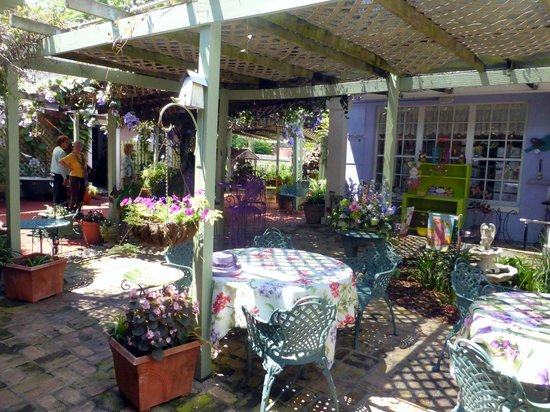 outdoor dining tables picture of lavender n lace tea room lake alfred tripadvisor. Black Bedroom Furniture Sets. Home Design Ideas