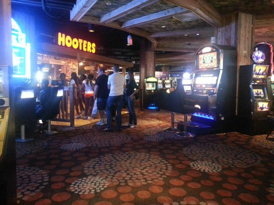 Hooters Casino Hotel: In the casino