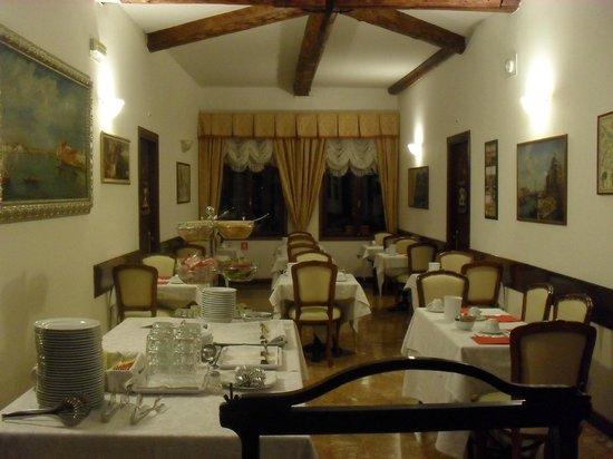 Palazzo Guardi : Dining room