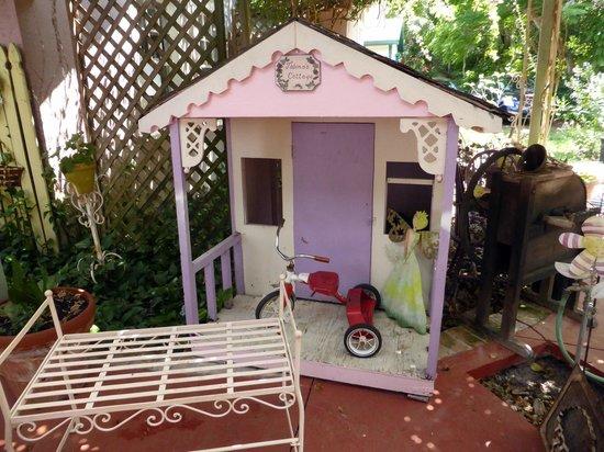 children 39 s playhouse picture of lavender n lace tea room lake alfred tripadvisor. Black Bedroom Furniture Sets. Home Design Ideas