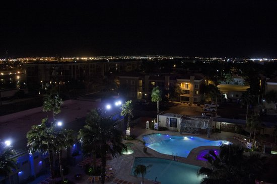 Hooters Casino Hotel : The view from the back at night