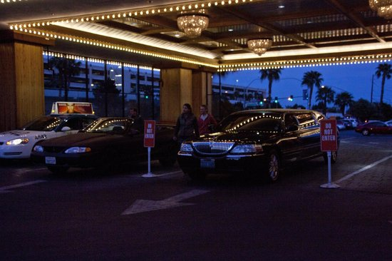 Hooters Casino Hotel : The Valet parking