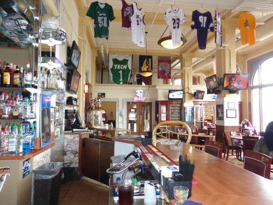 Hot Metal Diner: Sports bar atmosphere