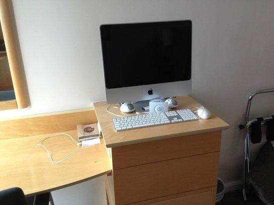 DoubleTree by Hilton London - Westminster: iMac