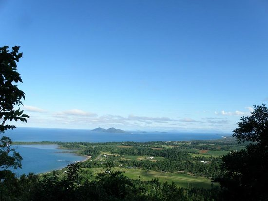 Mission Beach : View from the top  of Bicton Hill, Clump Point (Bingil Bay)