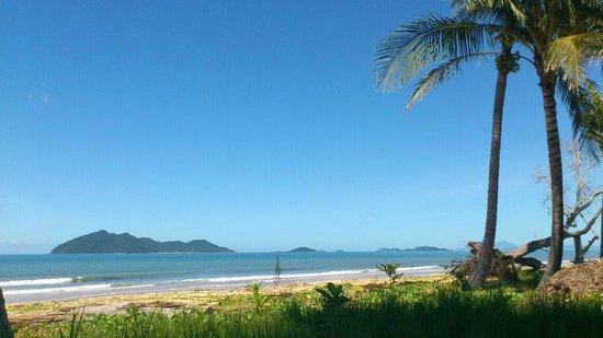 Mission Beach : Another beautiful day, Wongaling Beach