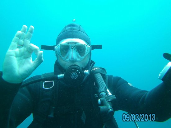 Deep Blue Diving Base: miguel the entertainer