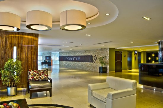 DoubleTree By Hilton Panama City: Hotel Reception Lobby