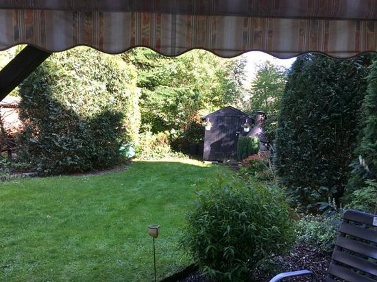 Bölts am Park Hotel: Access to back garden from our room