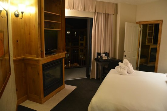 Canyons Grand Summit Hotel: Master Bedroom