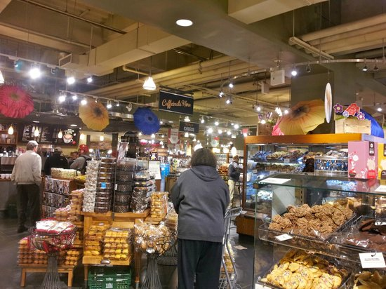 Whole Foods Market : Store interior 1