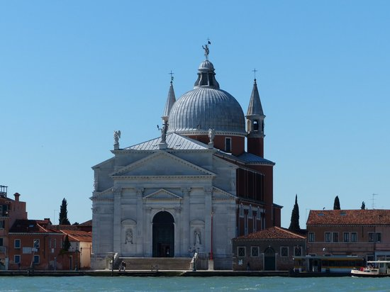 Hotel American Dinesen: View of Il rendentore across the Giudecca Canal