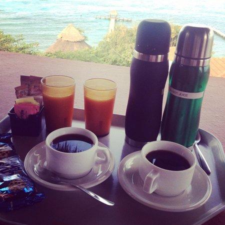 Casa de los Suenos: Morning coffee waiting for us!