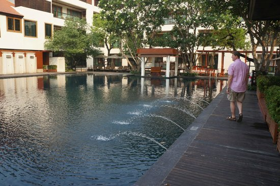 Ratilanna Riverside Spa Resort Chiang Mai: Pool