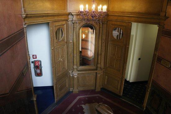 AZIMUT Hotel Berlin Kurfürstendamm: pianerottolo