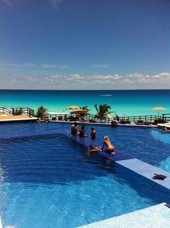 Grand Oasis Sens: Pool looking towards the Ocean.