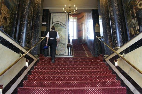 AZIMUT Hotel Berlin Kurfürstendamm: ingresso